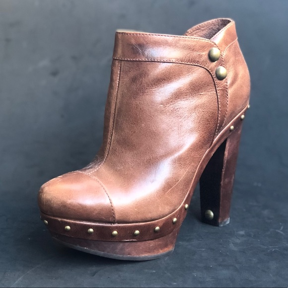 cbb096b29b3a UGG platform ankle boots. M 5c70926cdf0307aac997c6b8. Other Shoes ...